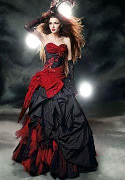 в белом свадебном платье, то подумайте об украшении вашего платья цветами, лентами или другими аксессуарами с черными или красными цветовыми акцентами