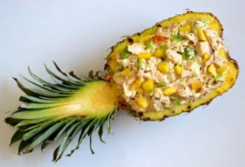 Салат с ананасами копченой курицей и кукурузой рецепт